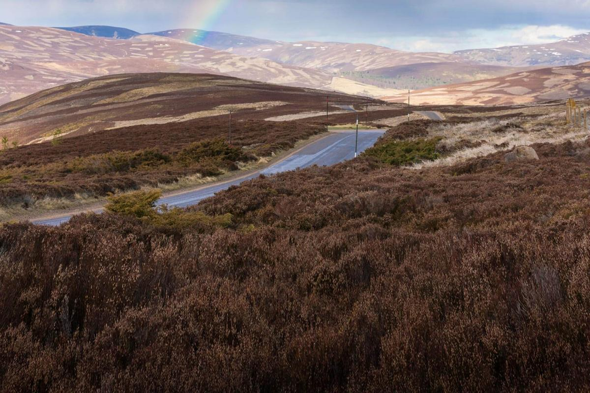 snow-roads-cairngorms-national-park